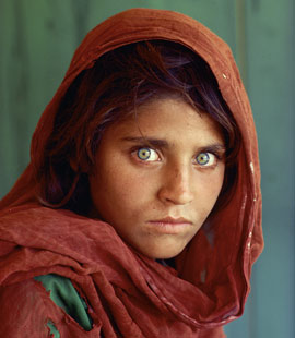 afghan girl by Steve McCurry for National Geographic magazine